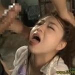 ガンガンに犯され大痙攣を繰り返すお姉さん!02