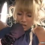 結婚式の2次会で金髪美女がビクビク痙攣しまくり!03