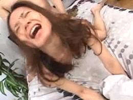 バックで突かれ絶叫ガクガク激痙攣して悶絶する美熟女!萩原亜紀02