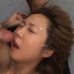 童顔なギャルがオヤジ達に無茶苦茶にされて痙攣イキ!04