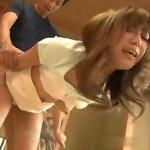 巻き髪系人妻が昼間から痙攣アクメ!01