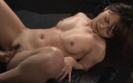 極上スーパー美少女が手マンで激痙攣イキ!05