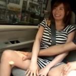 かわいい人妻が、車で公衆便所で潮吹き痙攣しまくり!03