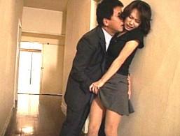「課長のザーメンで汚して〜」美人妻が夫の上司に犯され潮吹きビクビク痙攣イキ!柳田やよい02
