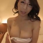 競泳水着を着たメガネ巨乳がヒクヒク痙攣!02