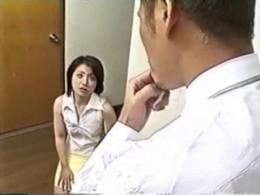 手マンとガン突きで痙攣イキするエロい人妻熟女!03