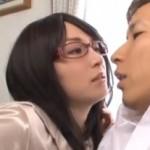エロいメガネのお姉さんが激痙攣アクメ!01