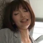 美人OLが手マン・クンニでピクピク痙攣!04