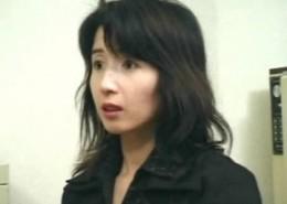 田舎から上京した熟女がナンパされ3Pエッチでガクガク痙攣!01