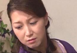 綺麗な熟女母が息子のデカマラを受け入れ近親相姦エッチでヒクヒク痙攣イキ!新村まり子02