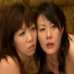 [母娘凌辱]初体験を母に捧げる娘がヒクヒク痙攣イキ!01