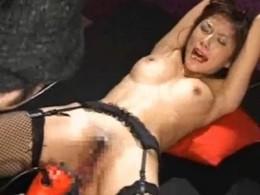 セクシー美人が拘束されて痙攣オーガズム![電動ドリルバイブ編]2
