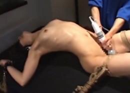 アスリート熟女人妻が拘束されて痙攣オーガズム!01