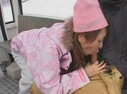 スキー場で女の子とチューチュートレインしたい!01