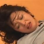 強姦された後も激しい痙攣が止まらない人妻01