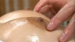 人妻が乳輪マッサージで痙攣アクメ!「中に頂戴〜いっぱい頂戴〜」30