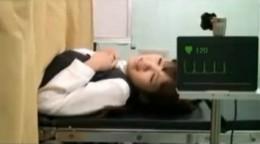 婦人科検診でOLがガクガク痙攣して中出しされる!01
