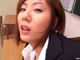 巨乳女教師が生徒のチ●ポでヒクヒク痙攣![麻美ゆま]05