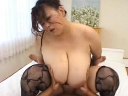 超巨漢の爆乳熟女がヒクヒク痙攣!2