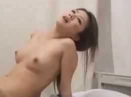 熟女が臨床媚薬で白目剥いてピクピク痙攣アクメ!02