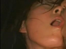 巨乳美女が顔を紅潮させ汗だくになってマジイキ痙攣アクメ!0