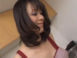 エロ過ぎ痴女熟女◆母の足コキ・女王様のクンニ![桜みちる]01