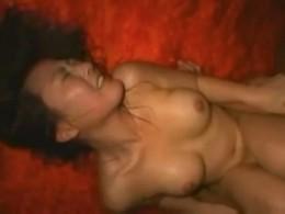 巨乳美女が顔を紅潮させ汗だくになってマジイキ痙攣アクメ!02