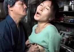 息子嫁は義父のメス犬!性調教されバックで突かれガクガク痙攣する人妻![ながえスタイル]大友唯愛