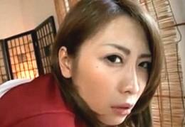 欲求不満の美人妻がローターで痙攣し中出しされてピクピク痙攣!坂本真弓