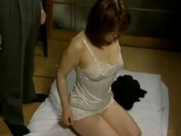 男達に激しく強姦され激痙攣が止まらない巨乳人妻!02