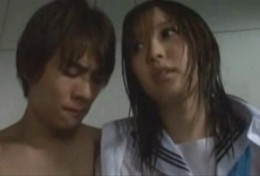 雨宿りしていた美少女JKが行きずりエッチで痙攣アクメ!02