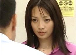 美人妻が銀行融資のために愛人契約するも、旦那以上に激しいエッチの虜になって痙攣イキ!君島冴子