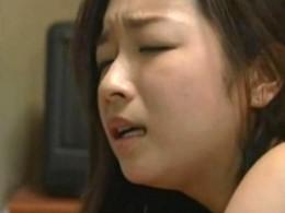 レイプ願望のある美少女が父の巨根で痙攣アクメ!02