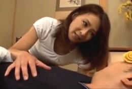 美人妻が近所の若い男を誘惑し中出しヒクヒク痙攣エッチ!矢部寿恵02