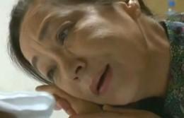 高齢熟女がバイアグラ飲んだ元気な夫に突かれてヒクヒク痙攣!01