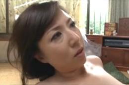 美熟女母が娘婿の巨根でヒクヒク痙攣して虜になっていく!生稲さゆり
