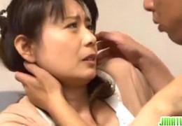 美人ナースの熟女母が若い男に抱かれヒクヒク痙攣!三浦恵理子02