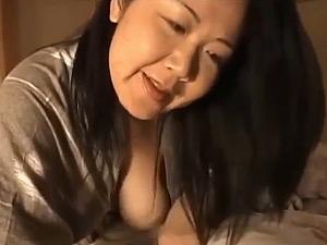 「今日から姉さんの物よ〜」卑猥なデカ乳輪の垂れ乳熟女が義弟を夜這して中出し痙攣アクメ!手塚真由美