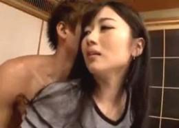 「旦那より固い〜」パンスト姿の美人妻が浮気巨根でビクビク痙攣アクメ!大槻ひびき02