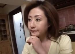浮気サークルを主催する団地妻がガン突きされてヒクヒク痙攣アクメ!02