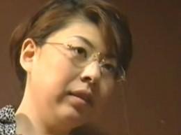 熟女母は息子でヒクヒク痙攣!父に隠れて近親相姦!山本さき・松田優子