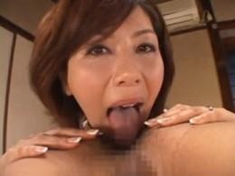 息子のアナル舐めする熟女母が汗だくでガクガク痙攣アクメ!翔田千里04