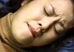 熟女母は息子の立ちバックで腰砕け痙攣アクメ!倉田涼子