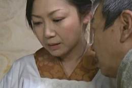 未亡人の家政婦が奥様に隠れご主人様にハメられビクビク痙攣!沢村麻耶03