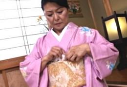 還暦高齢熟女松岡貴美子2