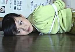 美人妻が借金取りに旦那の前で寝取られレイプされビクビク痙攣オーガズム!浅井舞香02
