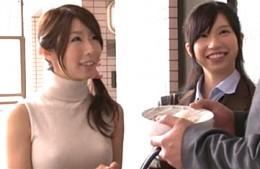 美人母娘が情欲に溺れ親子丼でビクビク痙攣イキまくり!篠田あゆみ・吉井ありさ02