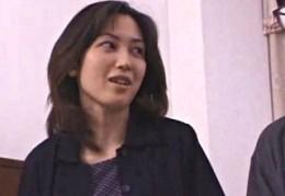 美人母がAV男優になった息子に責められビクビク痙攣アクメ!02