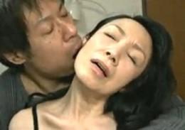 還暦の高齢熟女がエロいスケスケ下着で中出し痙攣エッチ!02
