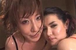 美熟女がローションプレイで潮吹き大痙攣!小澤マリア・澤村レイコ